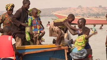 Thousands cross lake into Uganda to escape fighting in DRC's Ituri province