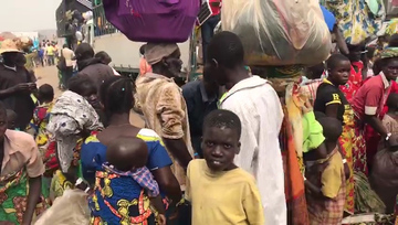 Congolese refugees flee fighting to Uganda